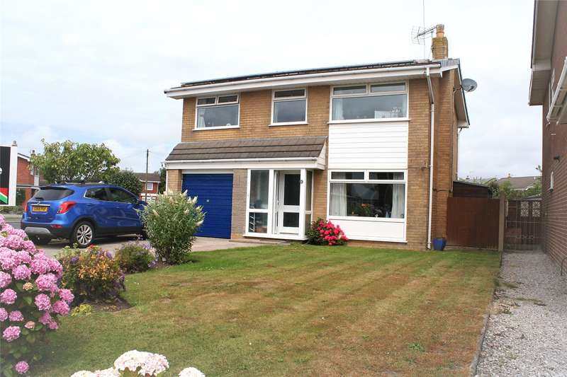 5 Bedrooms Detached House for sale in Wentworth Avenue Fleetwood