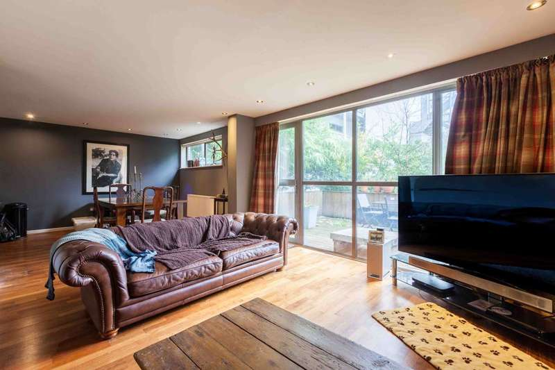 2 Bedrooms Flat for sale in Varcoe Road, South Bermondsey, SE16