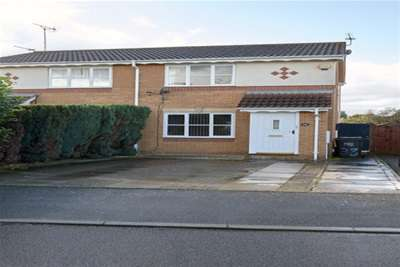 2 Bedrooms Semi Detached House for rent in Lauderdale Avenue, Northampton, Northamptonshire
