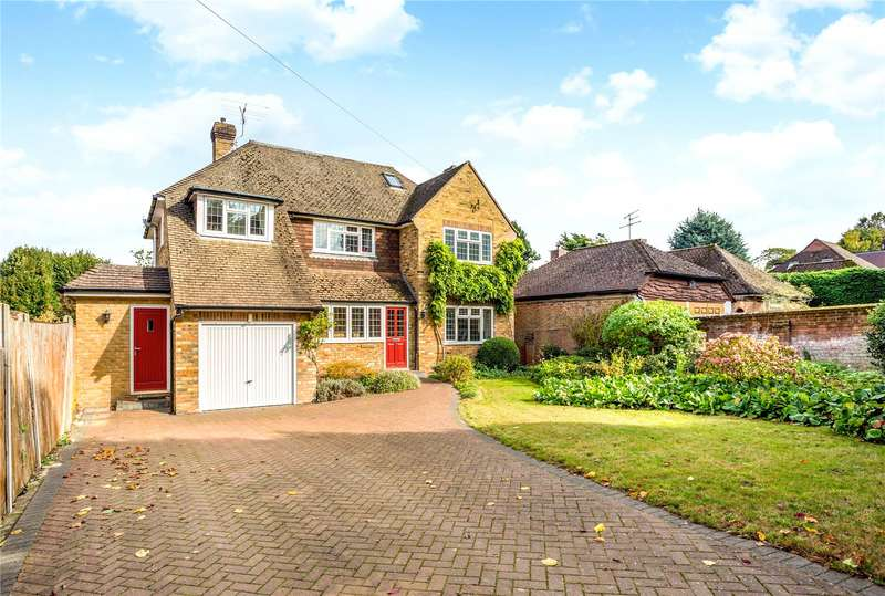 4 Bedrooms Detached House for sale in Maori Road, Guildford, Surrey, GU1
