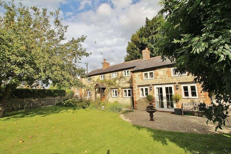 4 Bedrooms Property for sale in Church Road, Northmoor