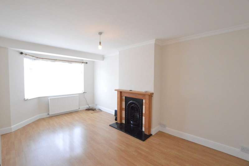3 Bedrooms Property for rent in Northcroft, Slough SL2