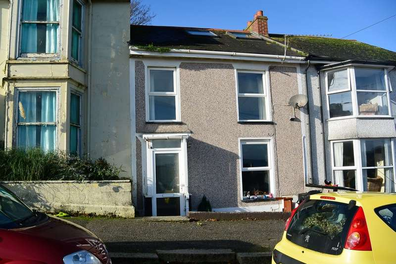 5 Bedrooms Terraced House for rent in Trevethan Road, Falmouth TR11