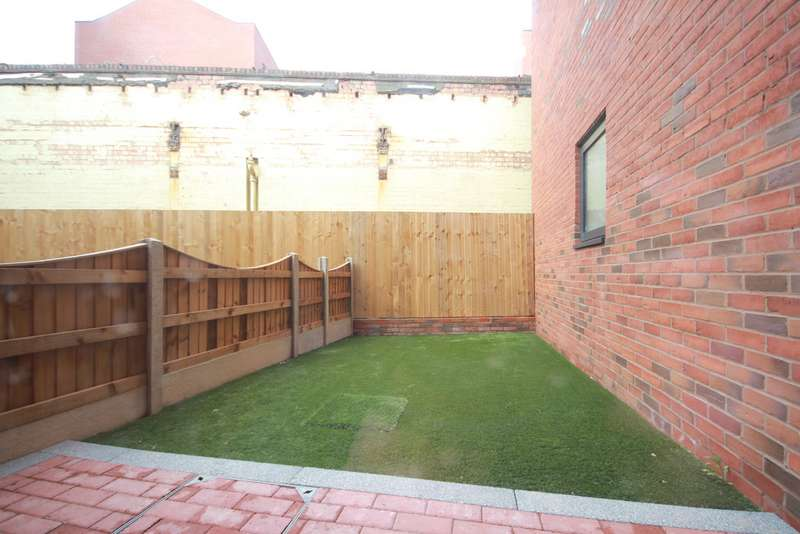 2 Bedrooms Apartment Flat for rent in Carver House, Carver Street, Jewellery Quarter, B1