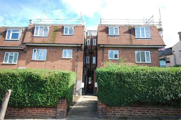 2 Bedrooms Flat for sale in Hampden Road, London