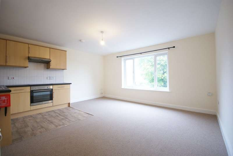 2 Bedrooms Flat for rent in Swift Gardens, Lincoln, LN2