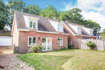 4 Bedrooms Detached House for sale in Ludham, Gt.Yarmouth, Norfolk