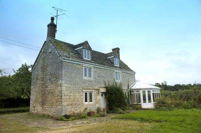 3 Bedrooms Detached House for sale in Oxlynch Lane, Oxlynch, Stonehouse, Gloucestershire