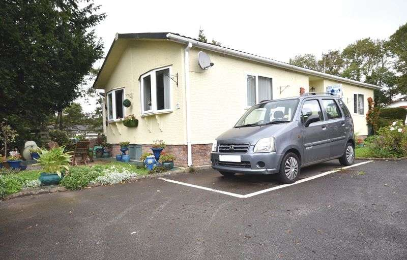 2 Bedrooms Property for sale in 30 Ham Manor Park, Llantwit Major, The Vale of Glamorgan