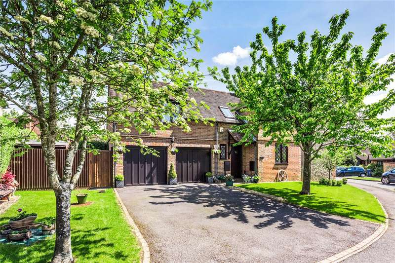 4 Bedrooms Detached House for sale in The Orchard, Naphill, High Wycombe, Buckinghamshire, HP14
