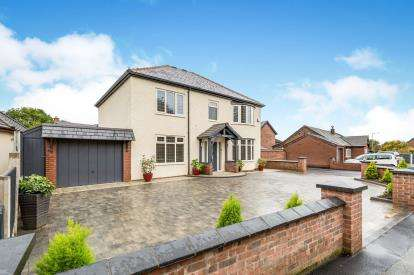 4 Bedrooms Detached House for sale in Todd Lane North, Lostock Hall, Preston, Lancashire