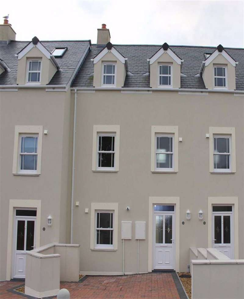 3 Bedrooms Town House for sale in St. Anne's Road, Spikes Lane, Milford Haven