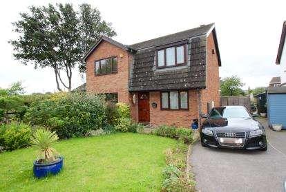 2 Bedrooms Semi Detached House for sale in Riverside Close, Shirehampton, Bristol