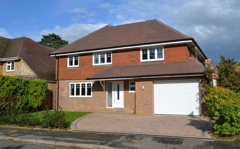 5 Bedrooms Detached House for sale in Ferndown Gardens, Cobham, KT11