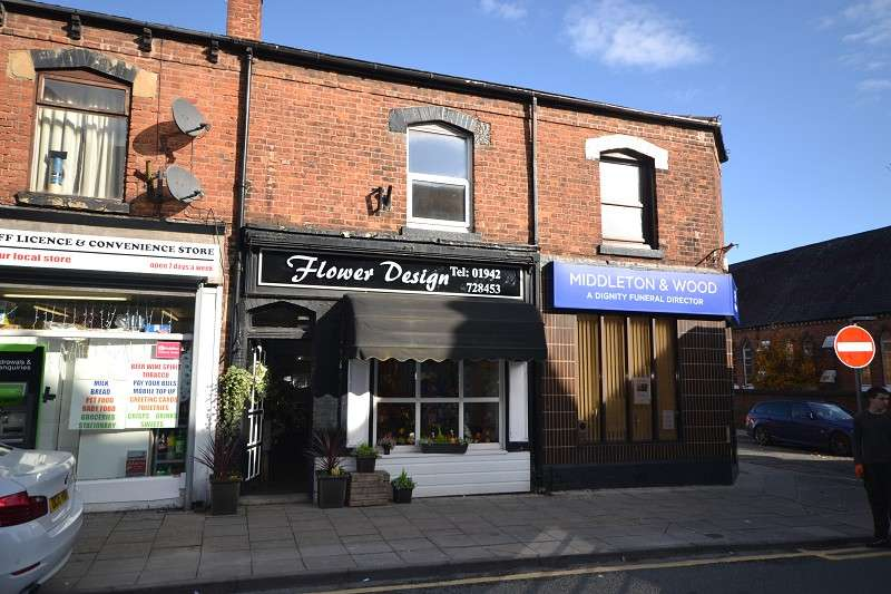 2 Bedrooms Terraced House for sale in Heath Street, Golborne, Warrington, Lancashire. WA3 3BN