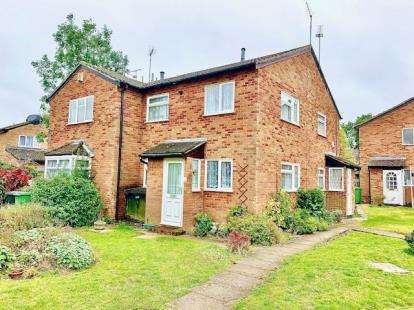 1 Bedroom Terraced House for sale in Speedwell Close, Luton, Bedfordshire, England