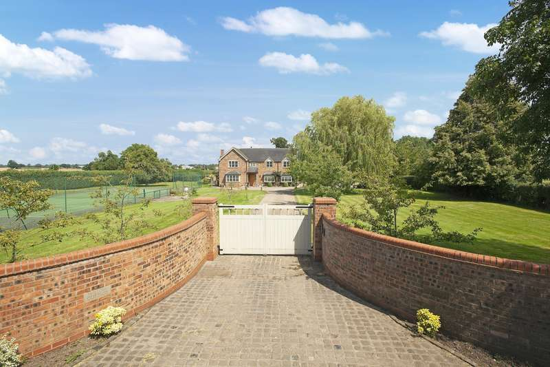 4 Bedrooms House for sale in 4 bedroom House Detached in Poole