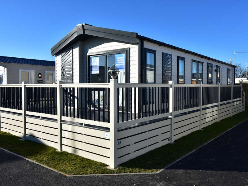 2 Bedrooms Lodge Character Property for sale in Rye Harbour, Rye