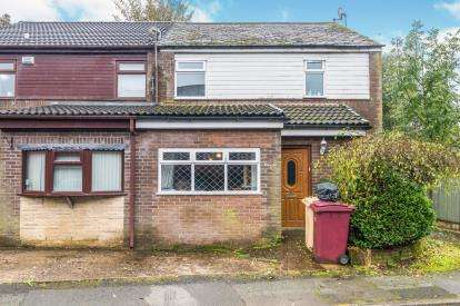 3 Bedrooms Semi Detached House for sale in Pendle Court, Astley Bridge, Bolton, Greater Manchester, BL1