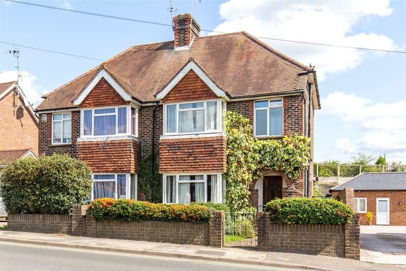 3 Bedrooms Semi Detached House for sale in High Street, Godstone, Surrey, RH9