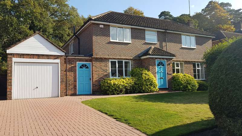 4 Bedrooms Detached House for rent in SUNNINGHILL - Detached House, 4 large double bedrooms, 3 Receps, Great Garden. Available NOW