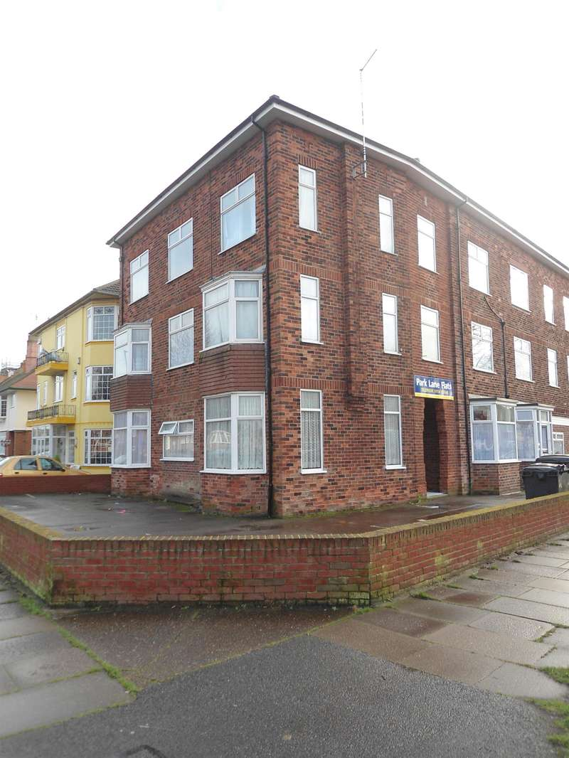 2 Bedrooms Flat for rent in Park Avenue, Skegness, Lincolnshire, PE25 2TF