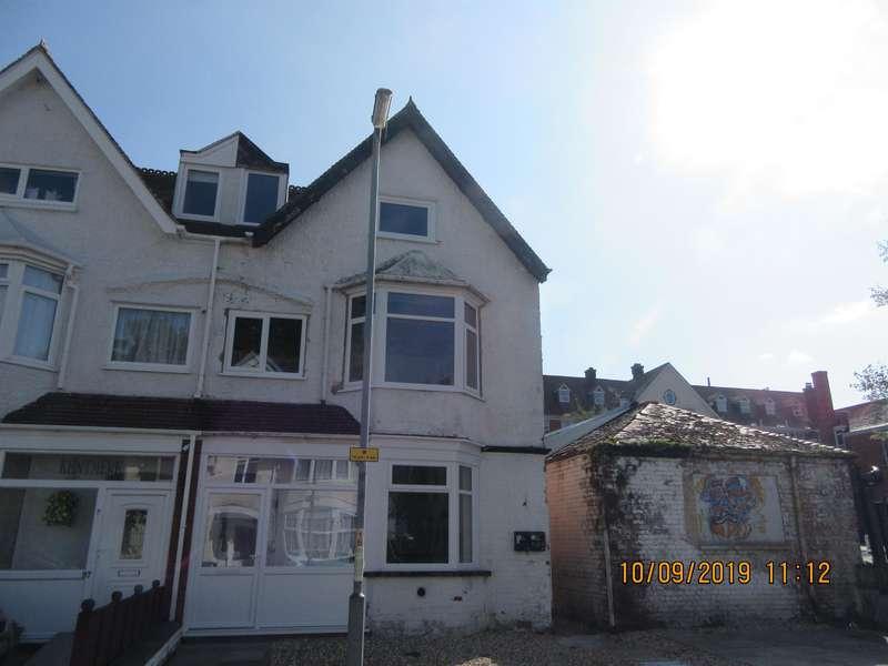 1 Bedroom Ground Flat for rent in Drummond Road, Skegness, PE25 3EJ