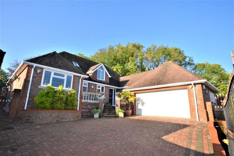 6 Bedrooms Detached Bungalow for sale in Downs Avenue, Eastbourne, BN20