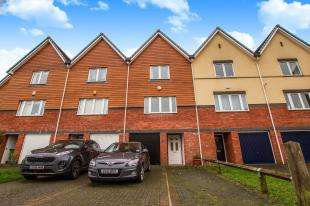 3 Bedrooms Terraced House for sale in West Quay, Newhaven, East Sussex