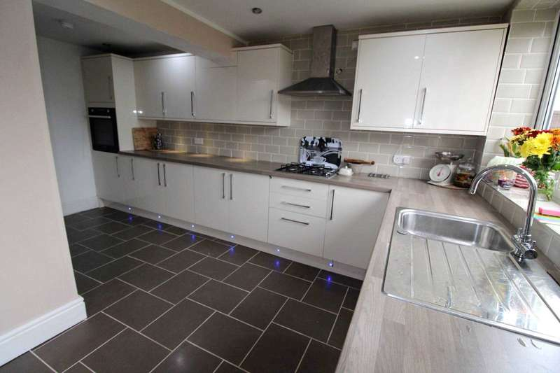 5 Bedrooms House for sale in Kenmay Avenue, Bolton