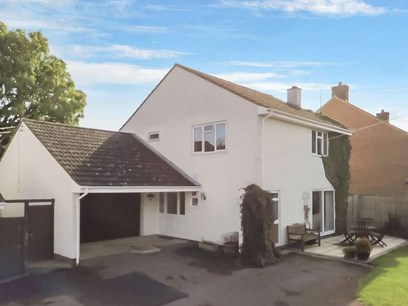 3 Bedrooms Detached House for sale in Upper Pavenhill, Purton, SN5