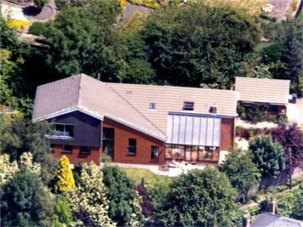4 Bedrooms Detached House for sale in Scar Lane, Blackburn, Lancashire