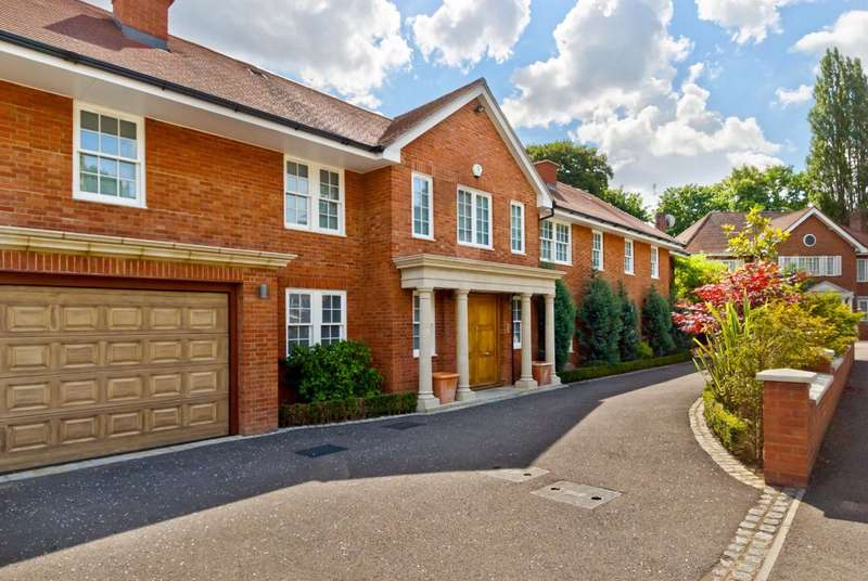 7 Bedrooms Detached House for sale in White Lodge Close, London, N2