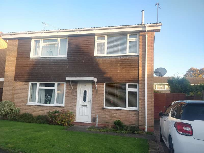 2 Bedrooms Semi Detached House for rent in Watson Close, Rugeley WS15 2PE