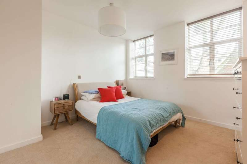 1 Bedroom Flat for sale in Alfred Street, Bow, E3