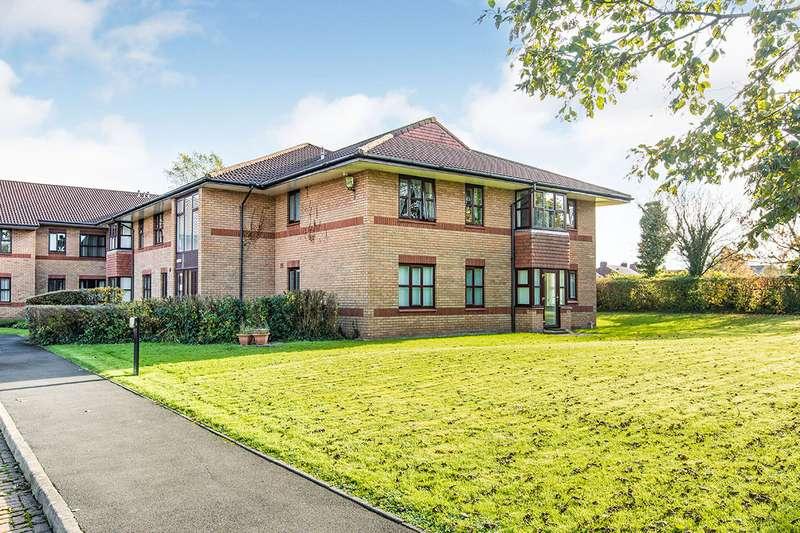 2 Bedrooms Apartment Flat for sale in Guardian Close, Poole Road, Preston, Lancashire, PR2