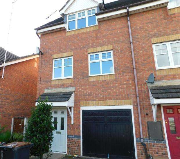 3 Bedrooms Semi Detached House for sale in Rolls Avenue, Crewe, Cheshire