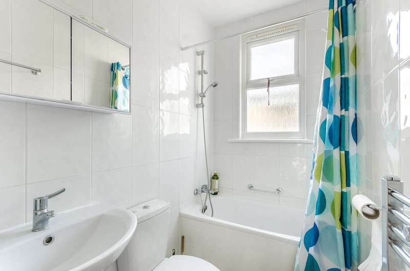3 Bedrooms Terraced House for sale in Totterdown Street, Tooting Bec, SW17