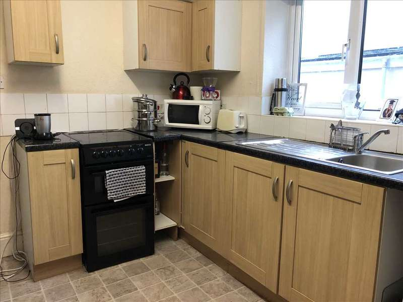 4 Bedrooms Terraced House for rent in Westhill Road, Plymouth