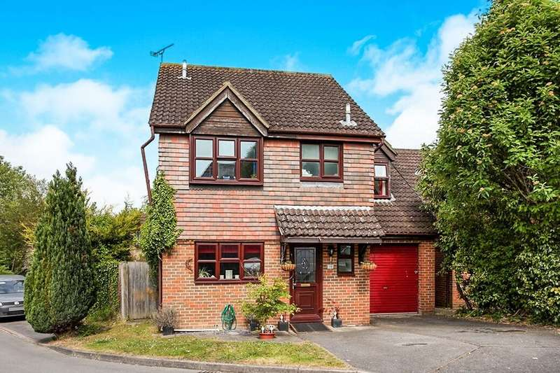 4 Bedrooms Detached House for sale in Loveridge Close, Andover, SP10