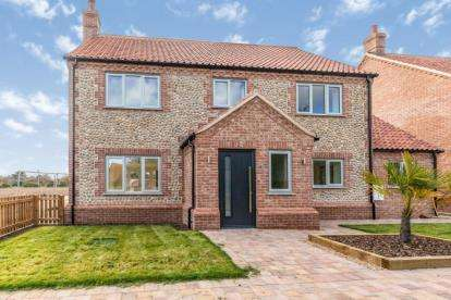 4 Bedrooms Detached House for sale in Mundesley, Norwich