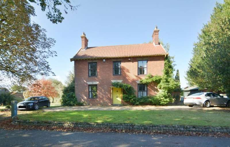 3 Bedrooms Detached House for sale in Norton Road, Loddon