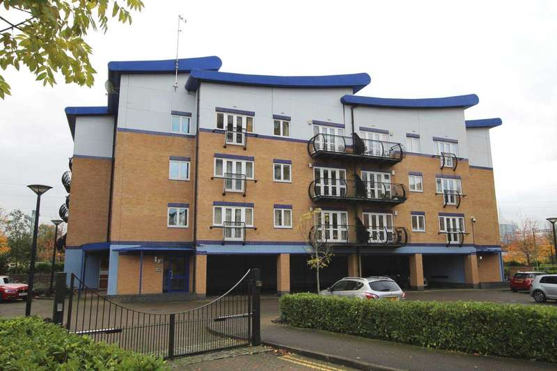 2 Bedrooms Flat for sale in Luscinia View, Reading