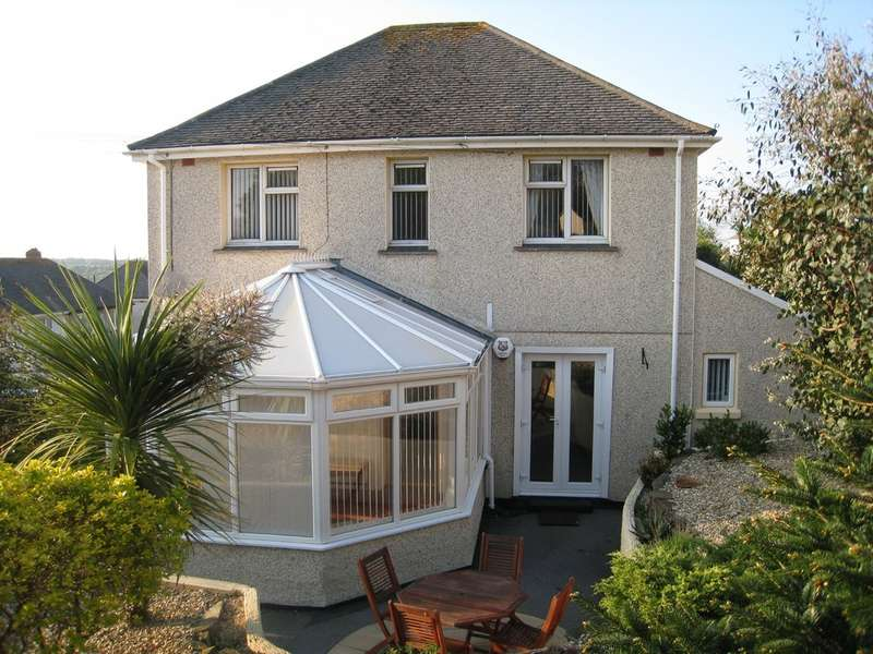 4 Bedrooms Semi Detached House for rent in Pellew Road, Falmouth TR11