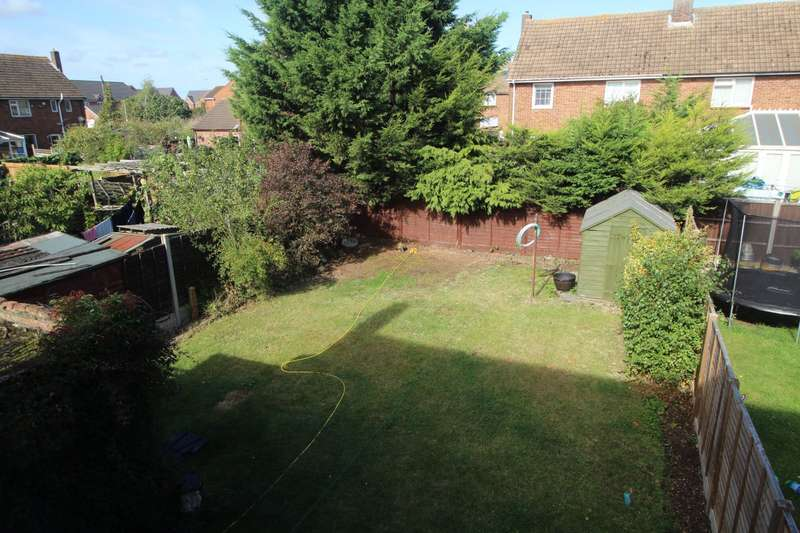 3 Bedrooms Semi Detached House for sale in Stirling Road, Shortstown, Bedford, Bedfordshire, MK42