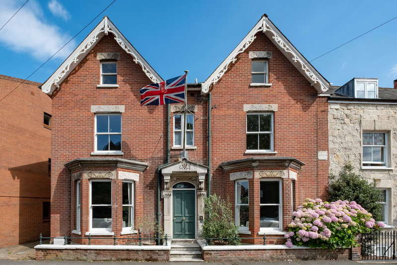 7 Bedrooms Town House for sale in Cowes, Isle Of Wight