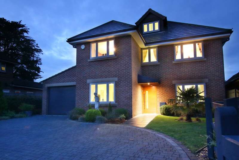 5 Bedrooms Detached House for sale in Barrs Avenue, New Milton, Hampshire