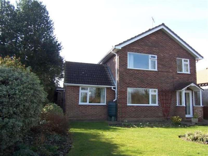 4 Bedrooms Detached House for rent in Church Hill, Burstall, IP8 3DU