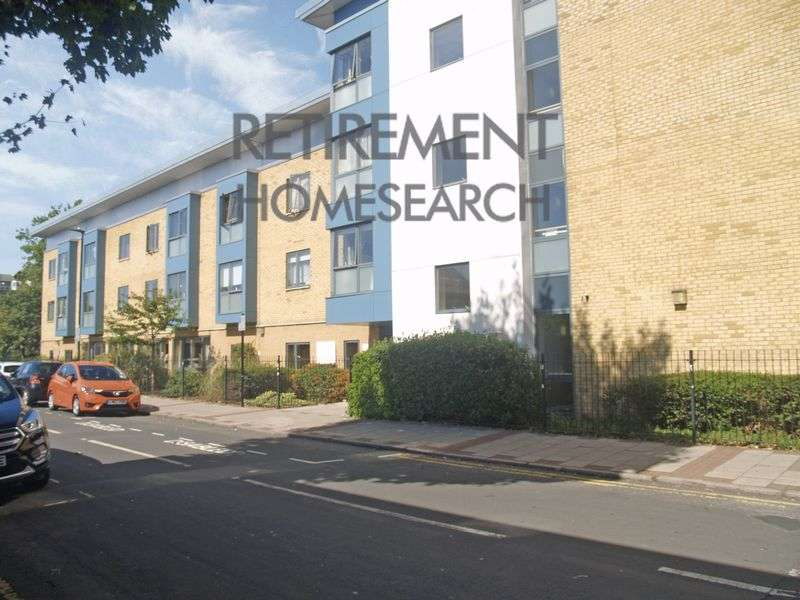 1 Bedroom Property for sale in Hedgerow Court, East Ham, E6 2RL