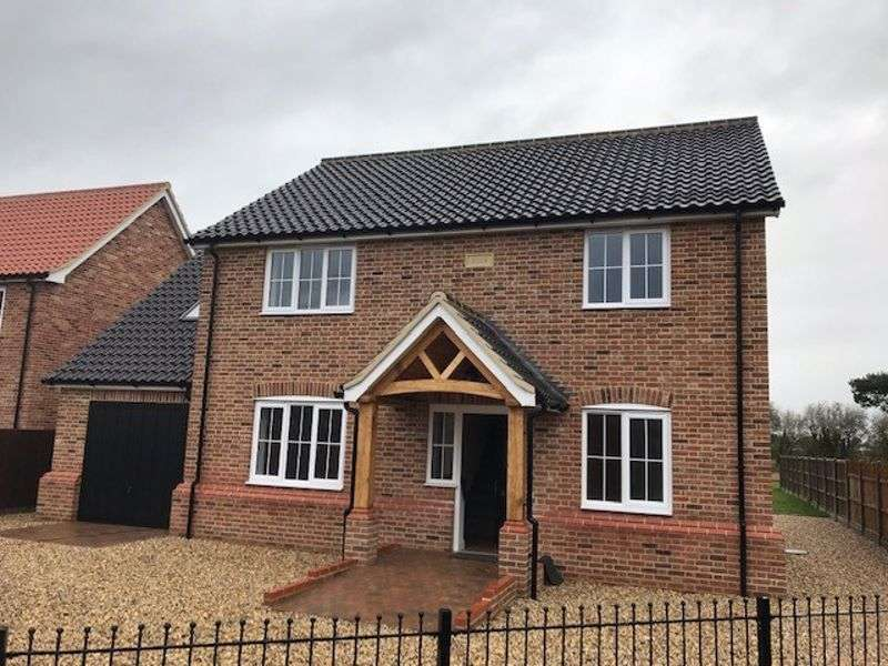 4 Bedrooms Property for sale in Northfields Lane, Westfield, Dereham